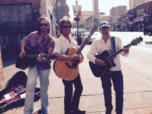 2013_05_29_16.08.10_On_Broadway__Nashville_20-20